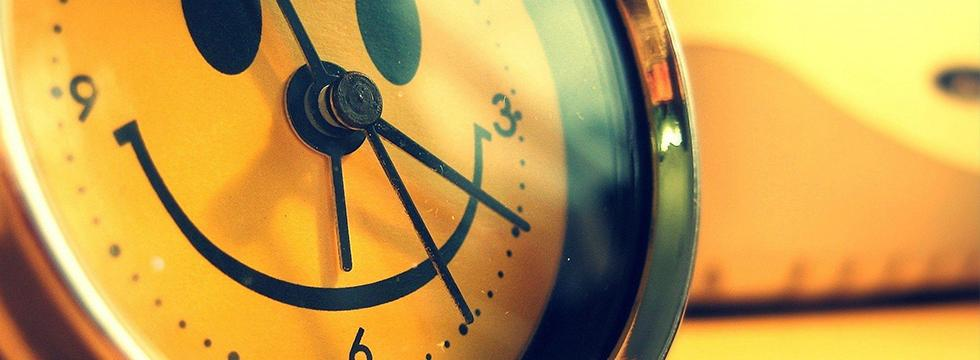 Banner of happy clock face